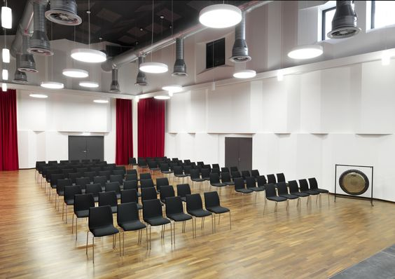 Stacking side chair 2104/2 with special acoustic properties, purpose-built for the South Westphalia Music Academy, Schmallenberg – Bad Fredeburg, Germany