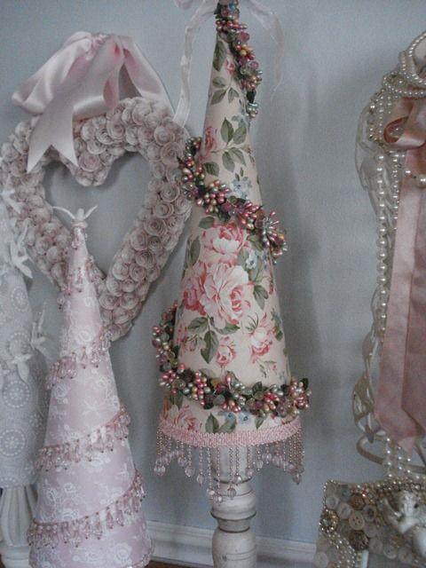 christmas cone tree pink roses beaded swirl