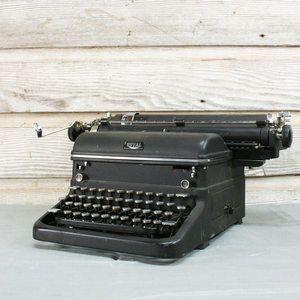 Royal Typewriter now featured on Fab.
