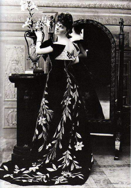 Comtesse Greffulhe (1860-1952) par Nadar by Yvette Gauthier, via Flickr