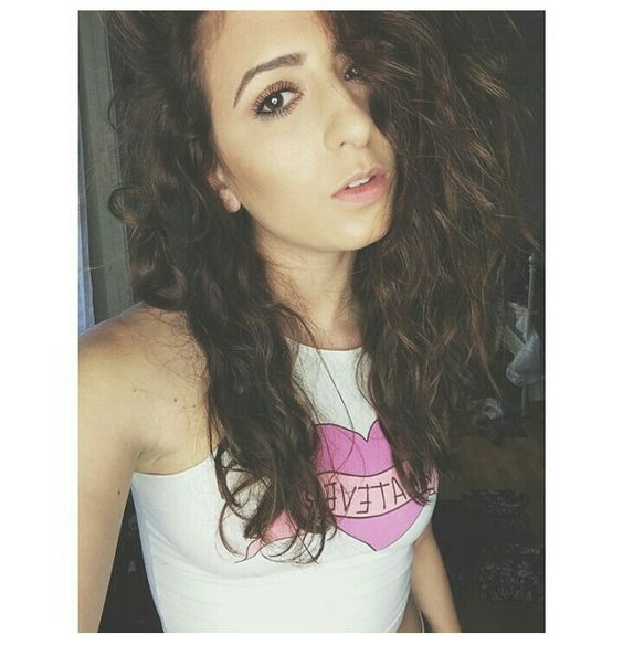 Her natural hair is so perfect! | Acacia Brinley and ...