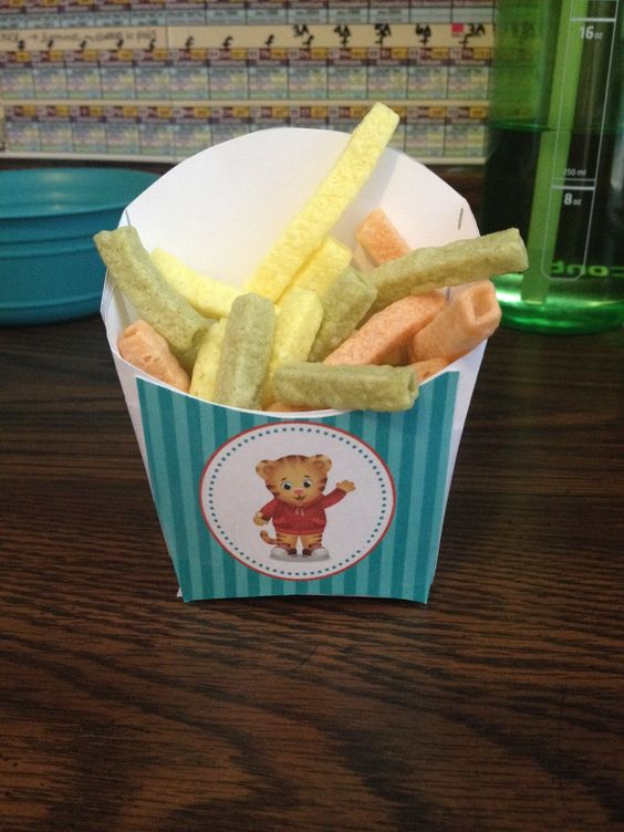 Veggie Straw Daniel Tiger Birthday Party French Fry Container