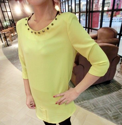 HQ 3180 Studded Long Blouse (YELLOW) Weight : 0,23 kg Price : Rp. 75000  Product Origin : China Good Quality Fabric: chiffon (not elastic) Bust 90 Shoulder 38 Shoulder 40 Length 75