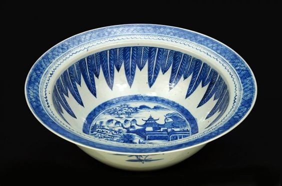 A Chinese Canton Porcelain Punch Bowl. : Lot 1703325