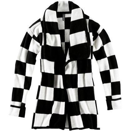 Strickjacke mit Schachbrettmuster 27,99€ ♥ Hier kaufen: http://www.stylefru.it/s42288 #Strickjacke #Schachbrett #Schwarz #Weiß #Retro