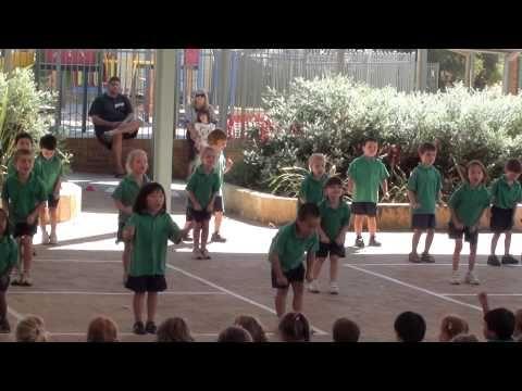 ▶ The baby elephant dance - YouTube