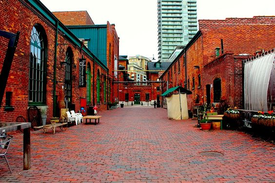 The Distillery District (Parliament St & Mill), Toronto: