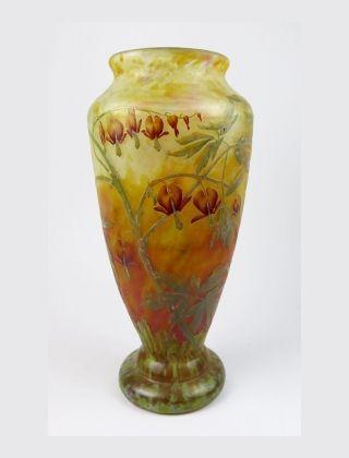 Bleeding hearts vase 🔻🔺♠️♠️More At FOSTERGINGER @ Pinterest. ♠️♠️🔺🔻