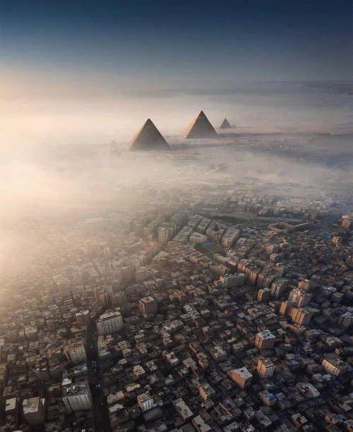 Pyramids Of Giza Amazing Aerial View Of Cairo And In 2020 Egyiptom Instagram Szepseg