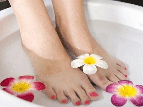 Rescue Summer-Ravaged Feet with a DIY Pedicure #Birchbox