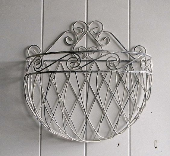 Shabby and Chic Wire Wall Planter  Cottage Chic by BrisNanaJoy, $25.00