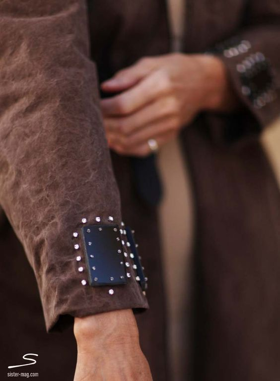 Dainty ornaments on handmade brown coat from sisterMAG N° 4 #fashion #wardrobe Photo: Ashley Ludäscher