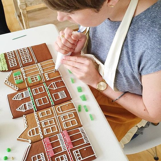 Make flat gingerbread houses for the holidays without having to try to stand anything up.: