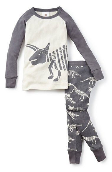 Free shipping and returns on Tea Collection 'Dinosaurio' Two-Piece Fitted Pajamas (Toddler Boys, Little Boys & Big Boys) at Nordstrom.com. Your future palaeontologist will love these fitted pajamas with cool fossilized graphics. Brushed on the inside for a soft feel and designed with a longer top for stay-put style.