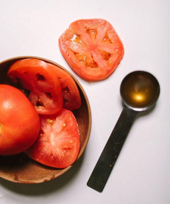 Tomato + Honey Face Mask // Clean Living