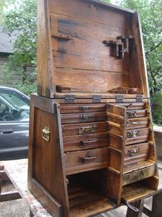 Blacksmith's tool box - inside! i would click the love button if i could. what kind of use would you put this to? what alterations for your own?