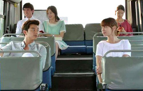 Nên để ý không được to tiếng hay nói chuyện khi đi xe bus tại Hàn Quốc
