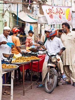Karachi, Pakistan - Street vendors. Some of the best food you'll ever have! http://pakistan.mycityportal.net