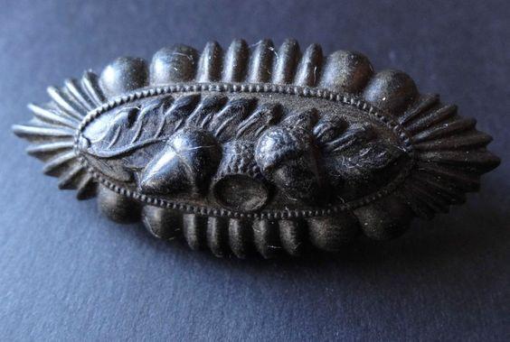 antique Victorian jet black pressed horn acorn oak leaf mourning brooch -T180