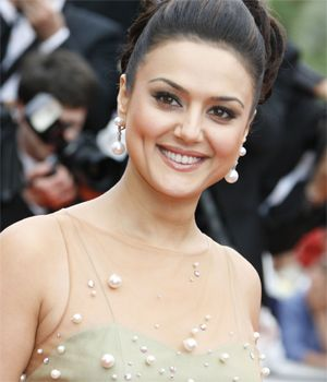 Why cant I cast new actors? : Preity Zinta | Bollywood Celebden