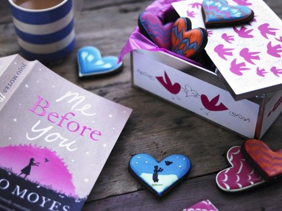 I haven't read the book; I just love the idea of a bakery designing book-themed biscuits.