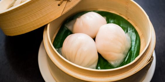 Har gau (Chinese dumplings): 450g prawns, peeled, 1/2 tsp chicken st| Tong Chee Hwee, Great british Chefs