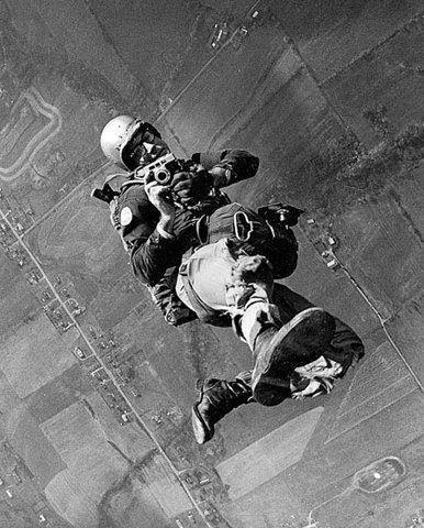 Skydiving oldschool