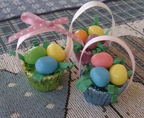 Item #4091 · Easter · Heart Prints Reese's Peanut Butter Cup Easter Baskets