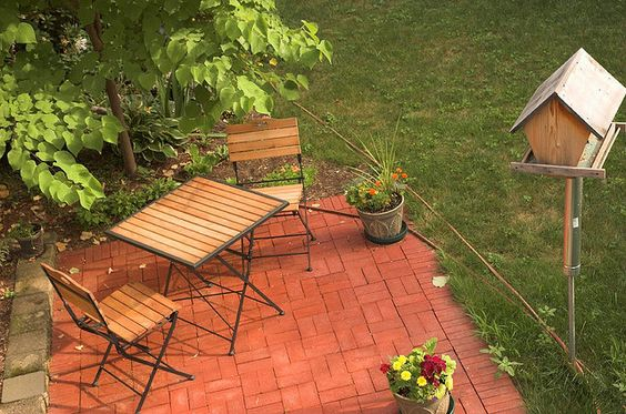 Simple patio for tiny space
