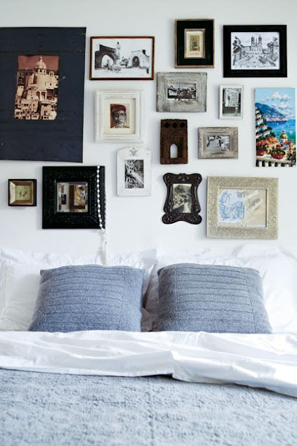 Amazing collection of eclectic frames! and the perfect alternative to a headboard. So easy to achieve. Why not try it yourself?