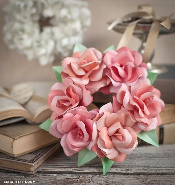 Make A Mini Paper Rose Wreath Flower Vehicles And Paper