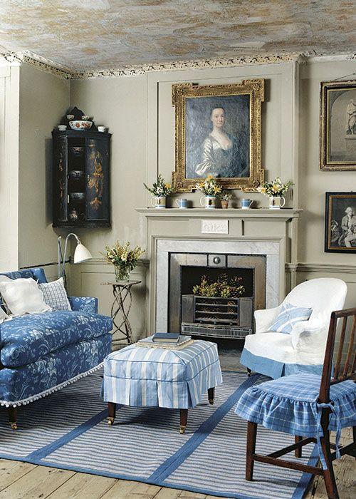 Sweet little room. Quaint. Slip covers. New Home Interior Design: Decorating Ideas