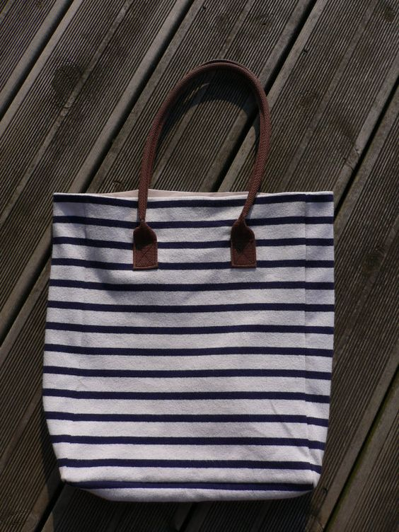 Sac marinière, to top off my love for stripes.