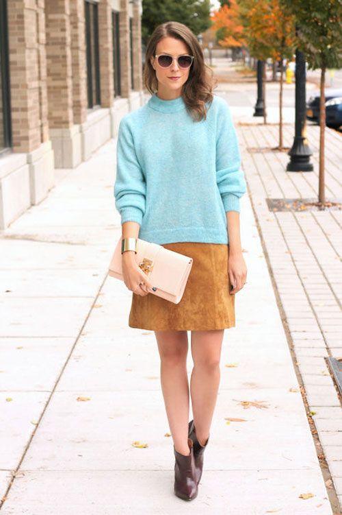 Chân váy nâu kết hợp cùng áo xanh mang đến vẻ đẹp tươi mới cho phái đẹp.