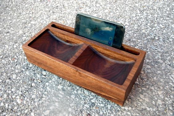 Wooden Phone and Tablet Dock with Valet in Walnut #33 by IVAMIR on Etsy https://www.etsy.com/listing/215934361/wooden-phone-and-tablet-dock-with-valet