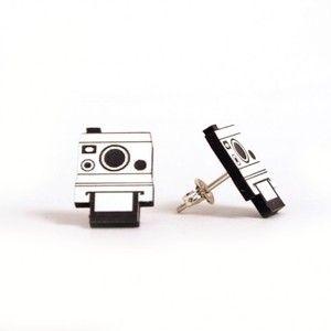 Polaroid studs