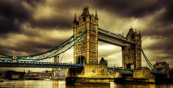 London Bridge – HDR with Atomic Sky