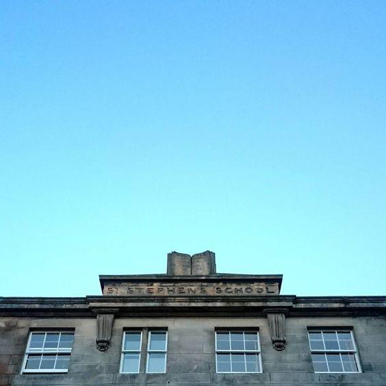 #ststephenstreet #ststephensschool #blueskies #bluesky #architecture #stockbridgeedinburgh #stockbridge #edinburgh #scotland