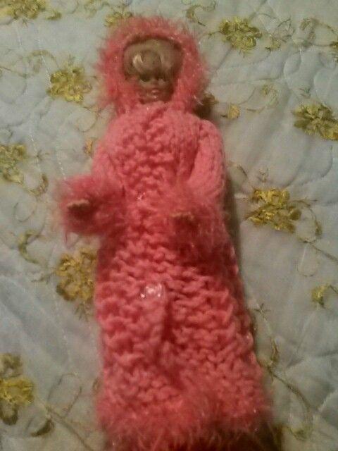 Abrigo rosa con capucha y hueco para el cabello  informacion:                                           celular: 593-0987046926                  gmail: cmantilla7986@gmail.com