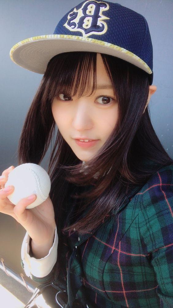 野球ボールと菅井友香