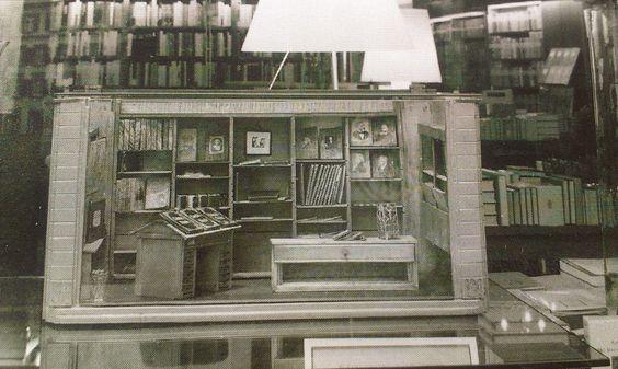Not a miniature library but a miniature bookshop, in Buchhandlung Zum Wetzstein, Freiburg i. Br., Germany.