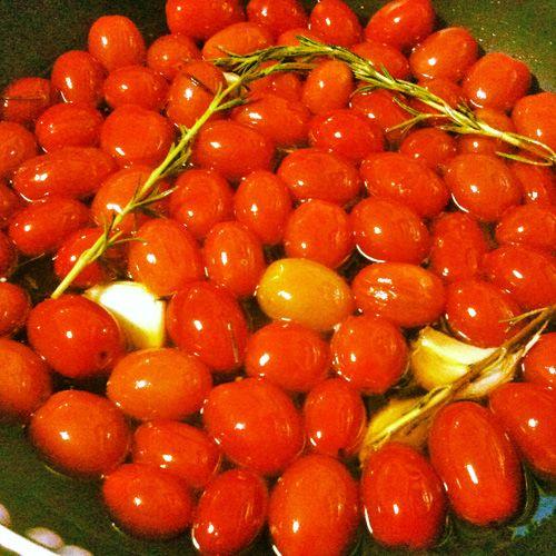 Como faz tomate confit?