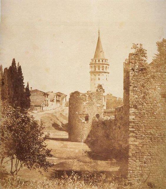 Galata Surları ve Galata Kulesi (1860-70) Galata Surları şehirleşmeye kurban edildi. #beyoglu #istanbul: