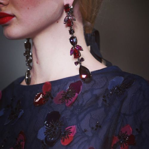 oscarprgirl:  hold your head up high beauties. ruby teardrops...