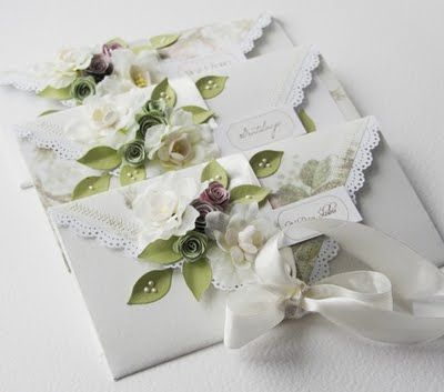 wedding money gift envelope - I don't like all the flowers but this gives me an idea for a money card.