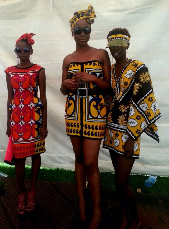 African fashion. Like the dress on the left!: