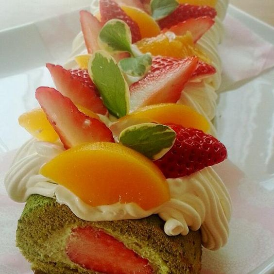 ひな祭りパーティーの担当だったので… 初めて米粉で人生2度目のロールケーキ(^^) 生地もちもちでお友だちにも喜んでもらえて2度おいしかったです(^w^) - 18件のもぐもぐ - 米粉抹茶ロールケーキ☆☆☆ by miwakichi555