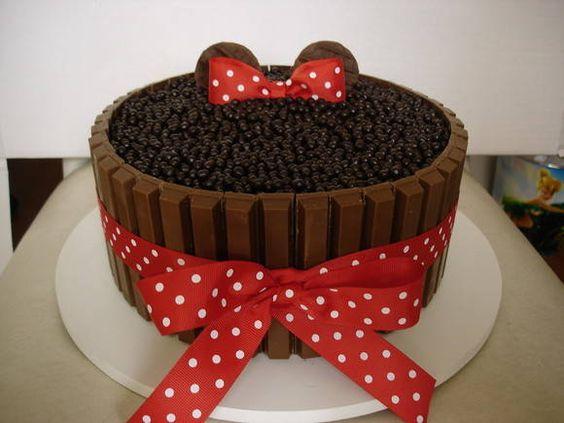 Kit Kat Cake Minnie