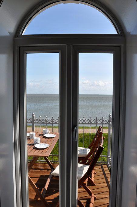 Kapitän Köhn - Exklusive Ferienwohnungen in der eleganten Villa Helgoland direkt am Wattenmeer.