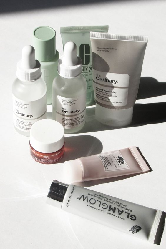 I've been using this routine for three weeks now so, this more of my winter routine. I tend to switch up skincare products between seasons. So, I thought to document my winter skincare routine and updated it when I transition to Spring.
